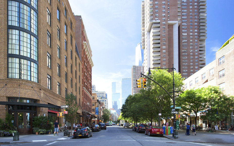 Independence plaza 310 greenwich street vornado realty trust for Tribeca new york real estate