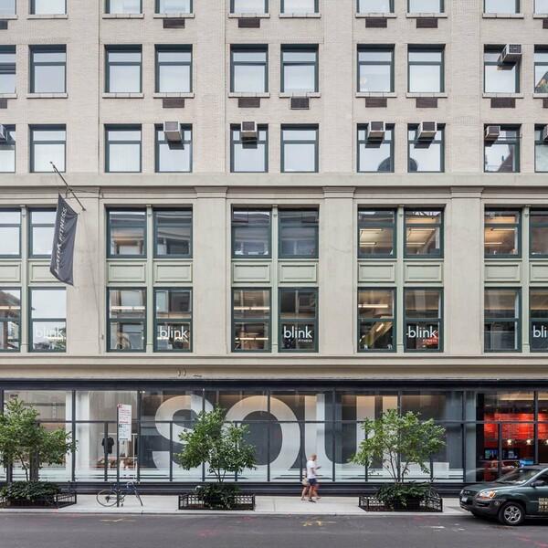 Street retail 501 broadway new york soho tribeca downtown street